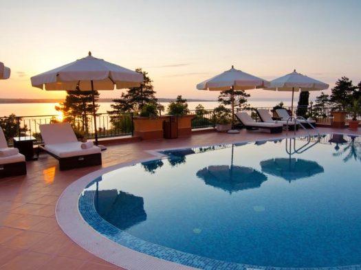 Economy Resort