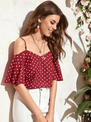 Top With Off The Shoulder Sleeves